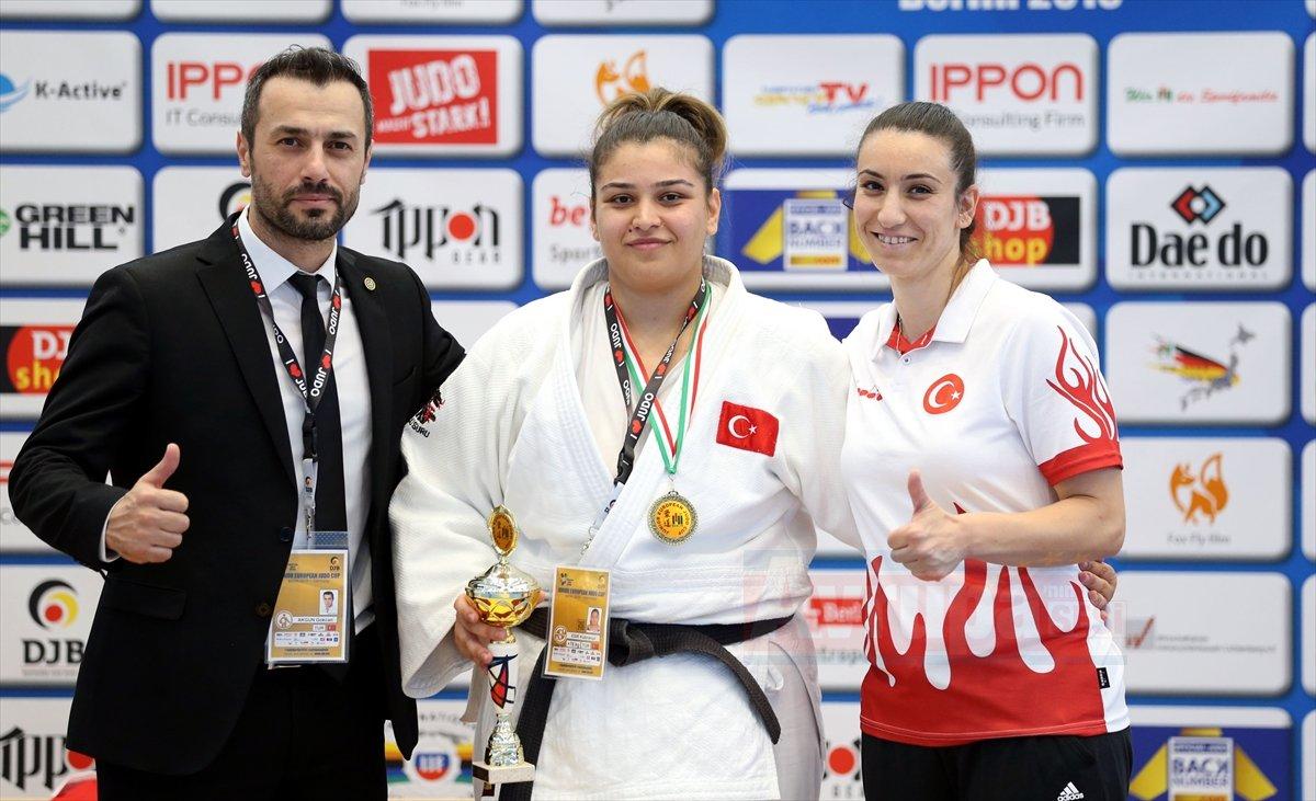 Judo Kupası'nı Kübranur kazandı