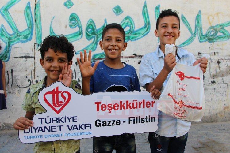 TDV ekipleri Gazze'ye bayram sevincini ulaştırdı