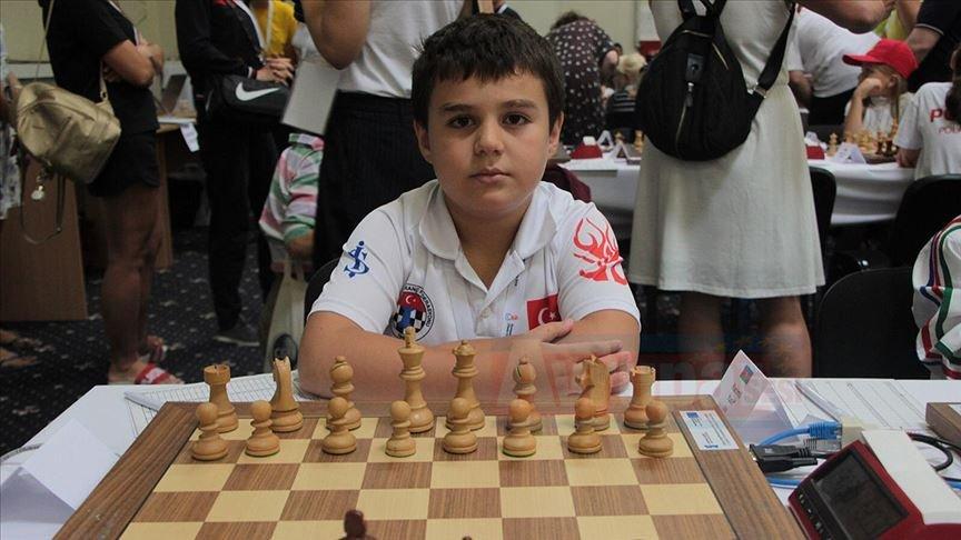 8 yaşındaki Yağız Kaan '8'de 8′ yaparak Avrupa şampiyonu oldu