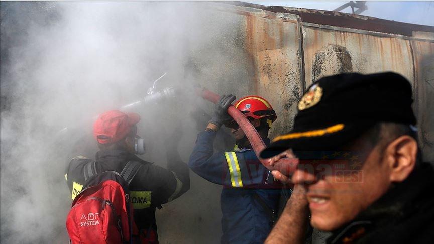 Yunanistan'da artan orman yangınları yerleşim yerlerini tehdit ediyor