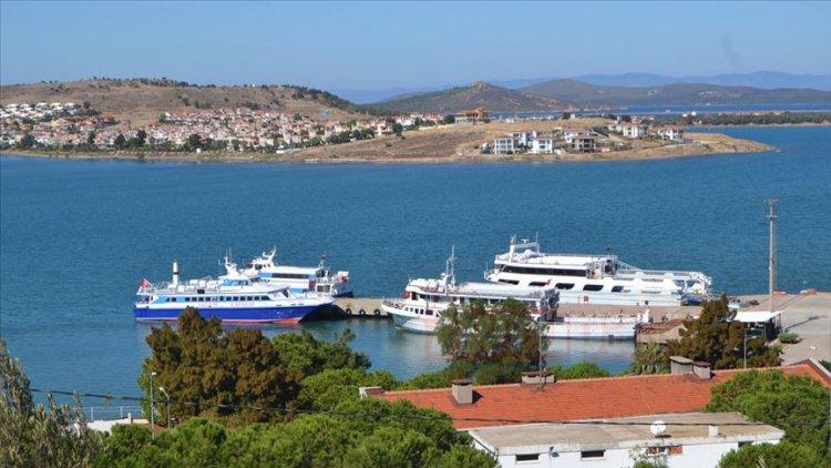 Yunan adasında binin fazla turist mahsur kaldı