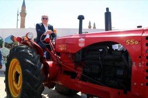Tarım Aletleri Sergisi'nde 'Yarım asırlık traktörler' sergilendi