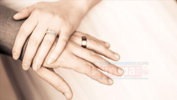 Boşanan kişilerin demans hastalığına yakalanma riskinin evlilerden iki kat fazla
