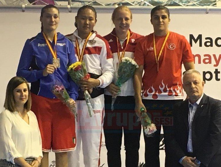Trabzonlu boksör Busenaz Avrupa Şampiyonu oldu