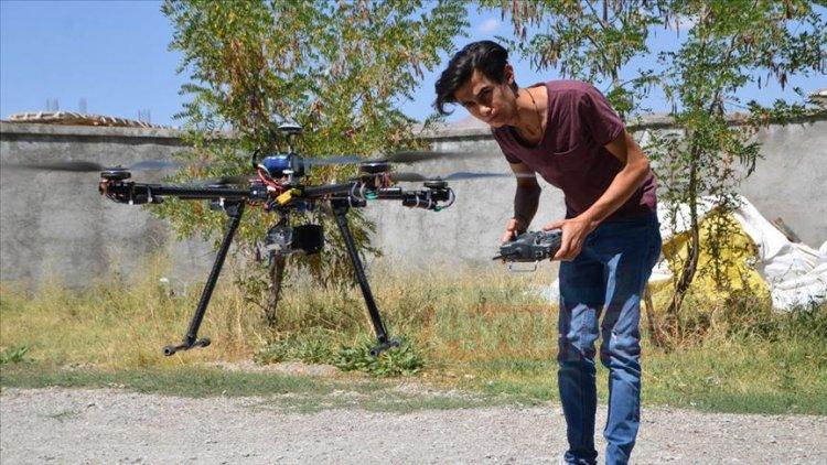 Yüksekovalı genç, hurda malzemelerle drone üretti
