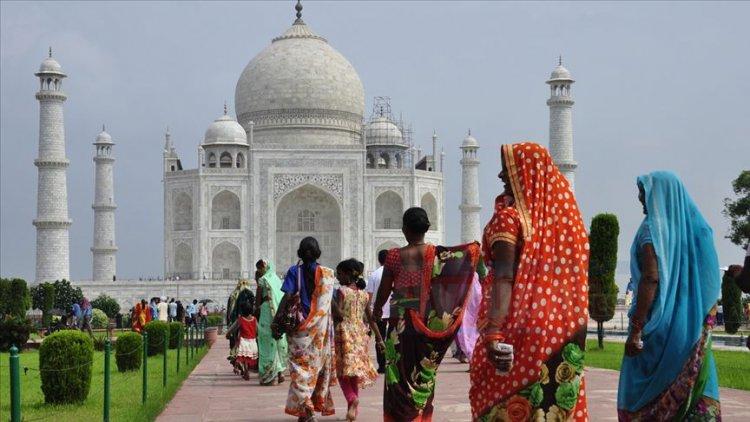 Hindistan'da 73 yaşındaki kadın ikiz annesi oldu