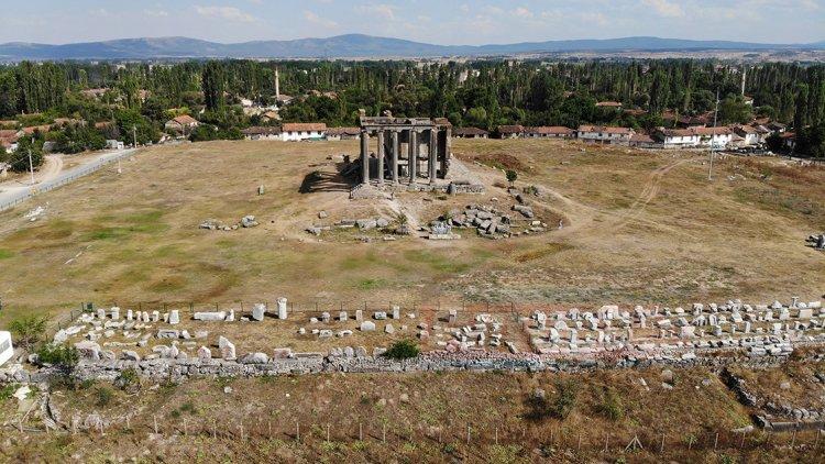 Romalılar acılarını şiirlerle mezar taşlarına kazıyorlar