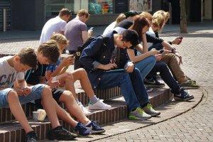 Yeni bir dijital bağımlı nesil karşımıza çıkıyor