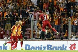 Falcao Galatasarayın yüzünü güldürdü