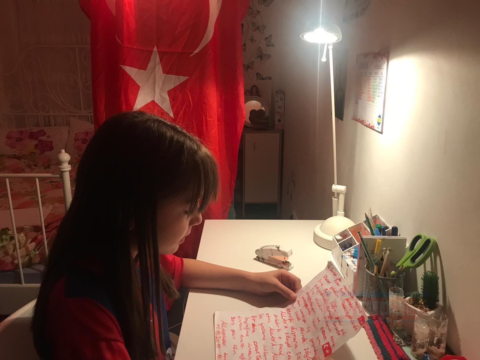 Gurbetçinin küçük kızından Mehmetçiğe destek