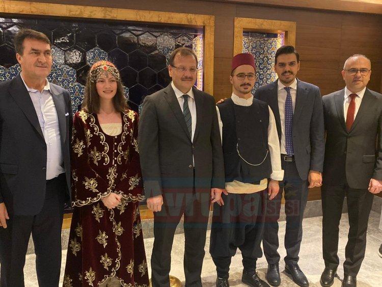 Bursa'da Batı Trakya'lılar akşam yemeğinde bir araya geldi