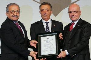 Beşiktaş'ın yeni başkanı Ahmet Nur Çebi dönemi resmen başladı