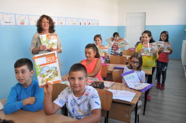 Bulgaristan'da Türkçe kitapları 27 yıl sonra yenilendi