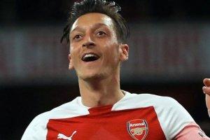Mesut Özil'e saldıran Ashley Smith, 10 yıl hapis cezası aldı