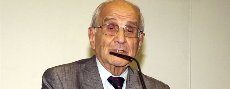 Prof. Dr. Mümtaz Soysal evinde hayatını kaybetti