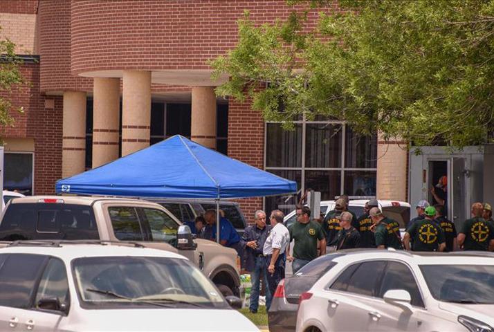 California'da okula silahlı saldırı
