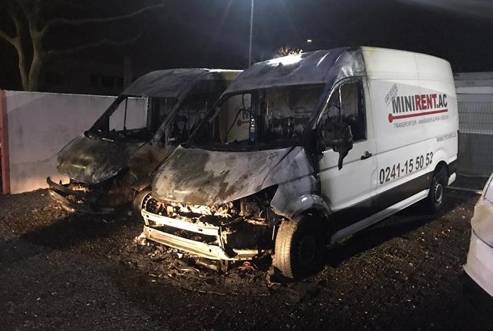 Türk iş adamına ait araçlar kundaklandı