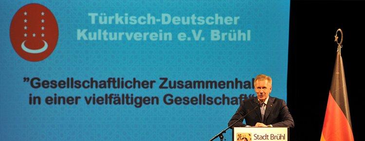 Almanya'nın 10. Cumhurbaşkanı Wulff'tan 'İslamiyet bize aittir, parçamızdır' vurgusu