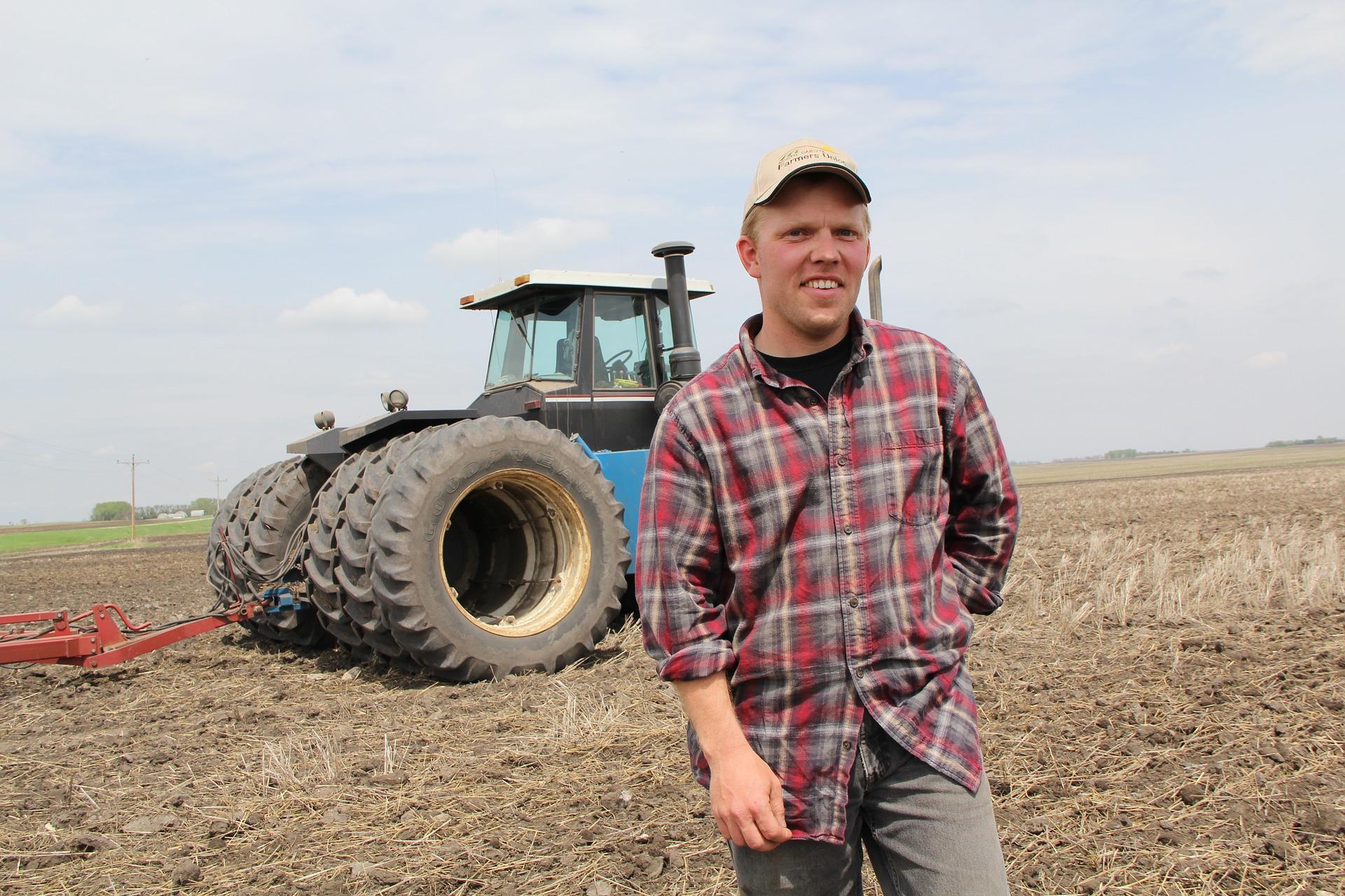 Almanya'da çiftçiler koalisyon hükümetinin tarım politikalarını protesto etti