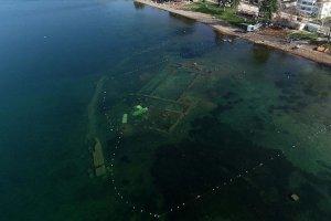 Su çekilmesi İznik Gölü'ndeki bazilikayı görünür hale getirdi
