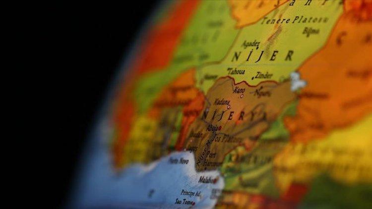 Nijerya açıklarında petrol tankerinden biri Türk, 19 mürettebat kaçırıldı