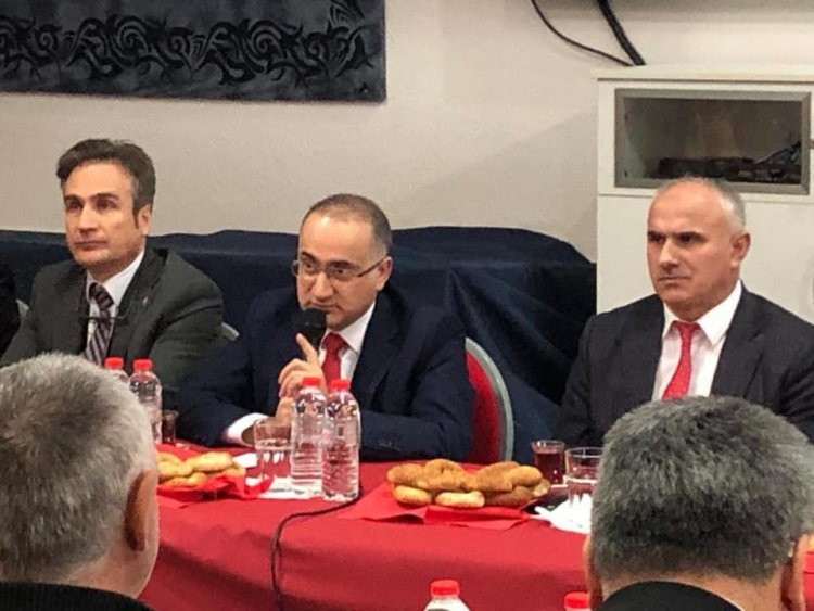 Başkonsolos Cebeci, Fatih Camii'ni ziyaret etti