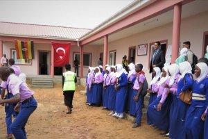 TİKA'nın desteğiyle Ugandalı öğrenciler yeni dersliklere kavuştu