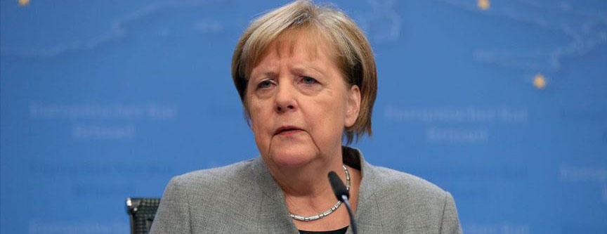 Başbakan Merkel: Brexit'ten sonra müzakereler yoğun geçecek söyledi