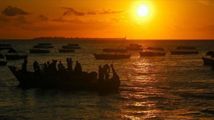 Benin'de ayine gidenleri taşıyan tekne battı: 100 ölü