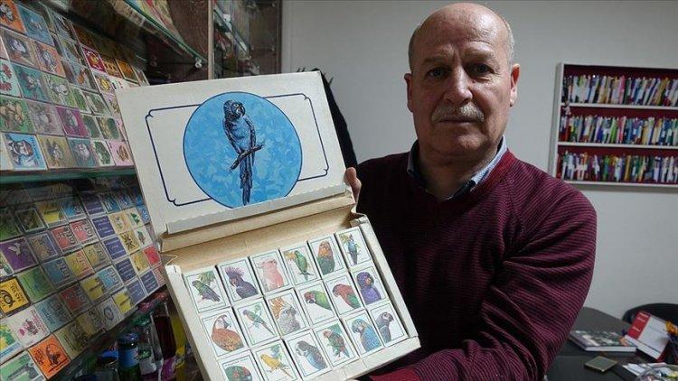 Çöpten çıkan mektup pullarıyla başlayan koleksiyon yarım asırdır büyüyor