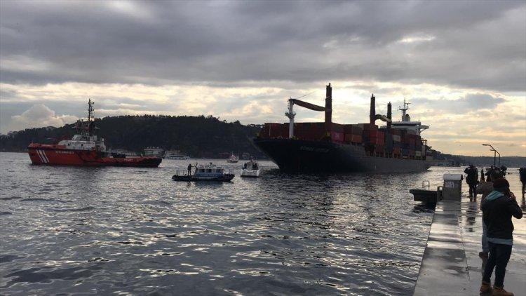İstanbul Boğazı'nda karaya oturan yük gemisi kurtarıldı