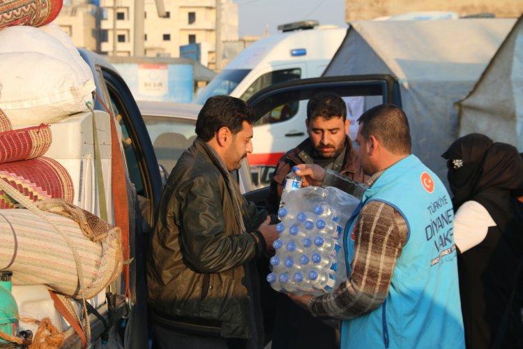 Göç yolundaki ailelere TDV'den acil yardım