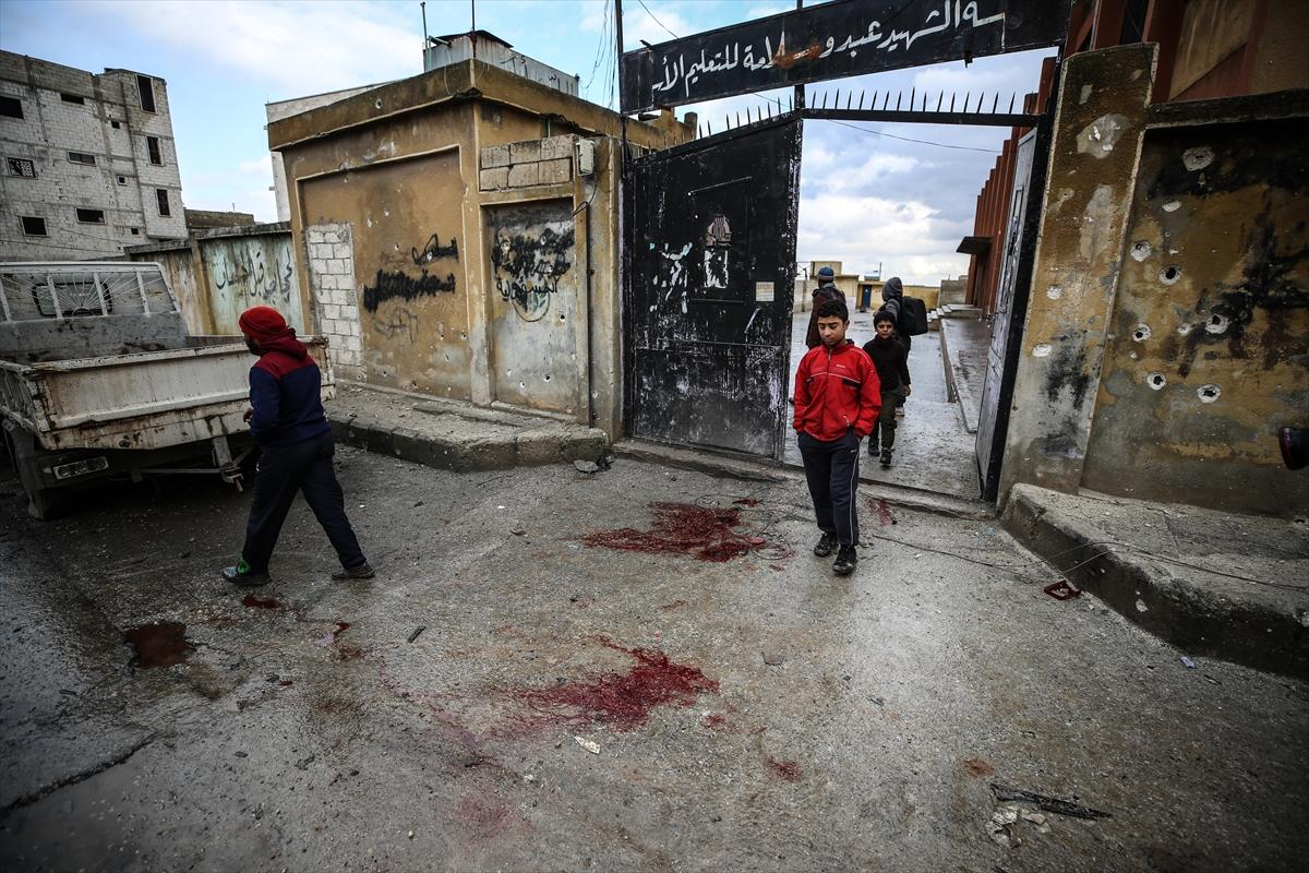 Esed rejimi İdlib'de okulu vurdu 8 sivil hayatını kaybetti