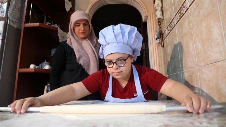Down sendromlu 12 yaşındaki Berat'ın hayatı 'oklava' ile değişti