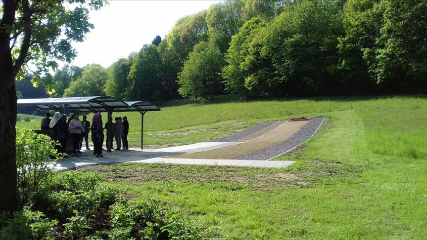Almanya'da Müslüman mezarları saldırı sonucu zarar gördü