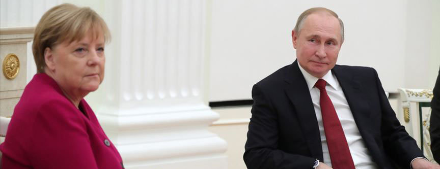 Putin, Almanya Başbakanı Angela Merkel ile görüştü