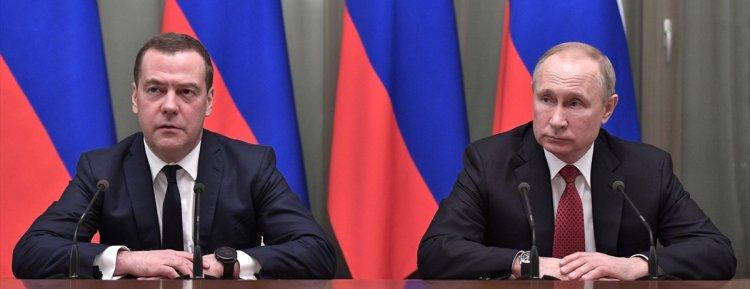 Rusya Başbakanı Medvedev hükümetin istifasını sundu