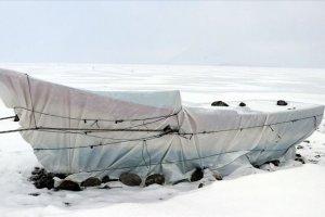 Türkiye'nin en yüksek rakımlı gölü buzla kaplandı