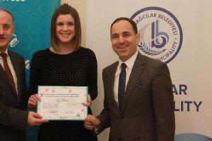 Belgrad Büyükelçisi kimsesiz çocuklara yardım elini uzattı