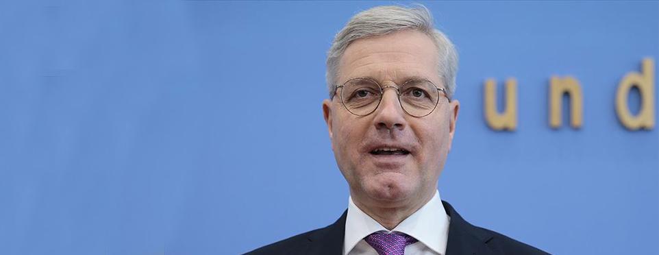 Norbert Röttgen Merkel'in partisi CDU'ya genel başkan adayı oldu