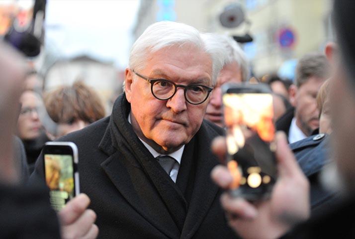 Almanya Cumhurbaşkanı Steinmeier Hanau kent merkezinde törene katıldı