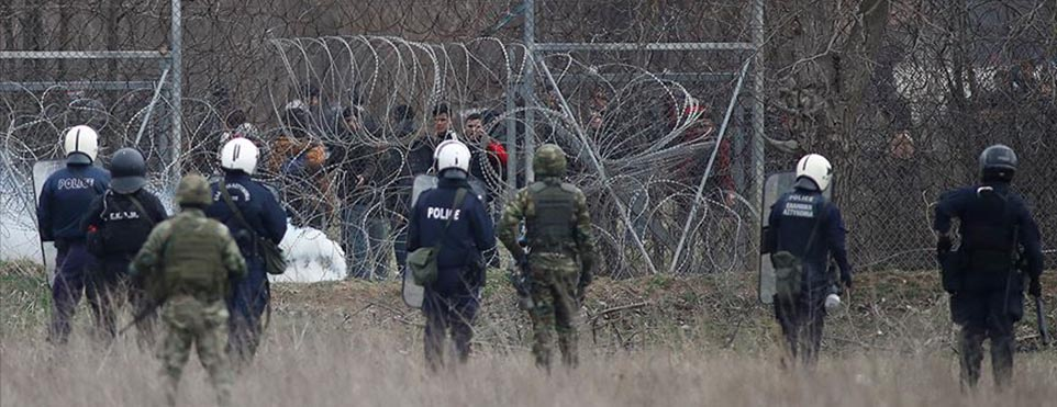 Yunanistan, sığınmacı krizinde Güney Kıbrıs Rum Yönetimi polisinden destek