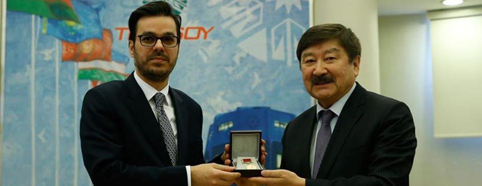 TÜRKSOY'dan TRT Genel Müdürü Eren'e ödül