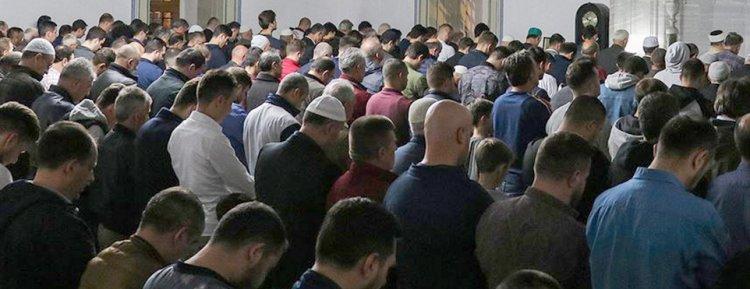Dünya Müslüman Alimler Birliği'nden cuma ve cemaatle namaza ilişkin fetva
