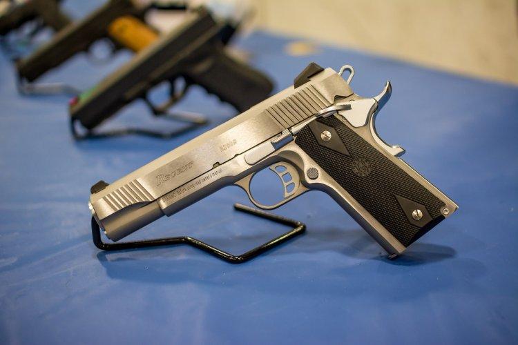 Almanya'da binlerce silah kayıp