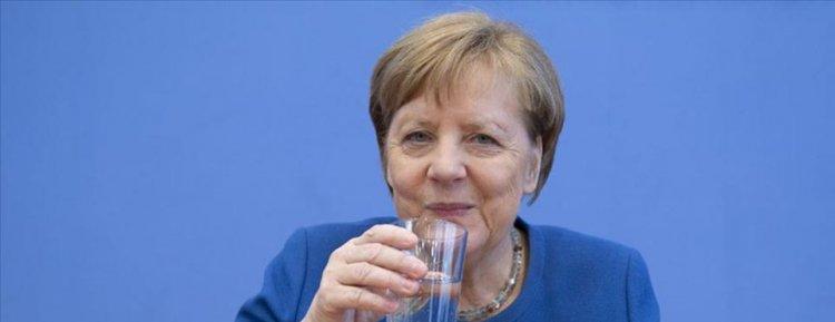 Başbakan Merkel yatırdığı Kovid-19 testi negatif çıktı