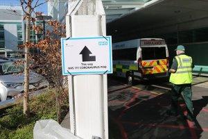 İngiltere'yi korkutan koronavirüs