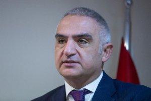 Kültür ve Turizm Bakanı Ersoy'dan 'Evde kal, kitapla kal'