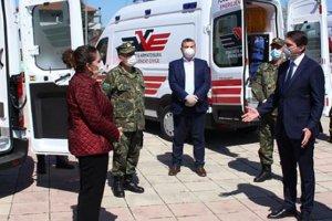 Türkiye'den ambulans yardımı başladı