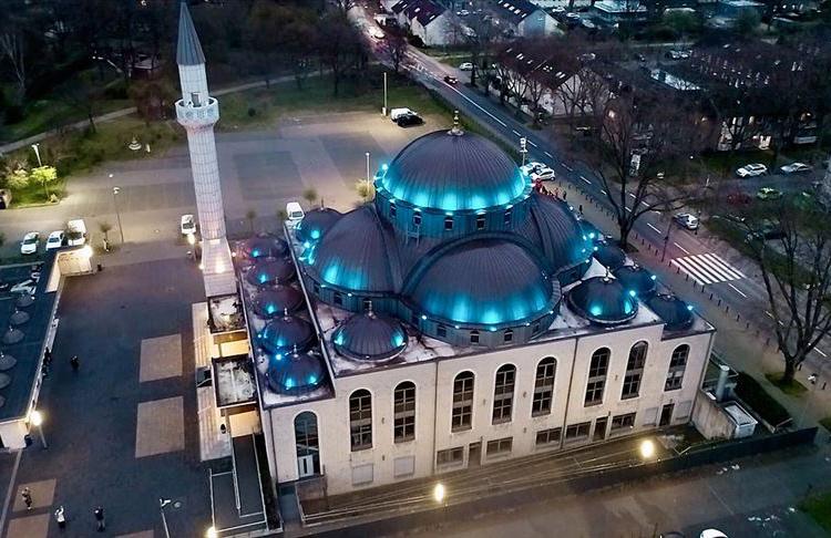 Almanya'daki camilerin çoğu 9 Mayıs'ta ibadete açılacak